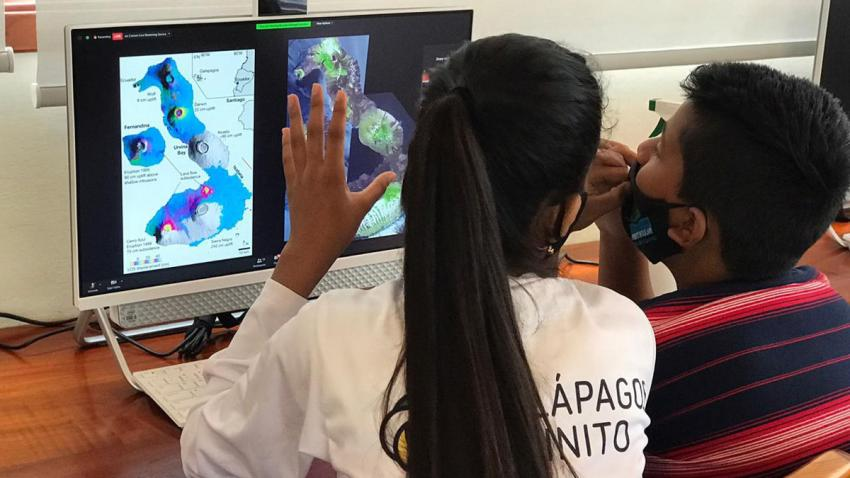 Students from Galápagos Infinito working with NASA data. Credit: Galápagos Infinito