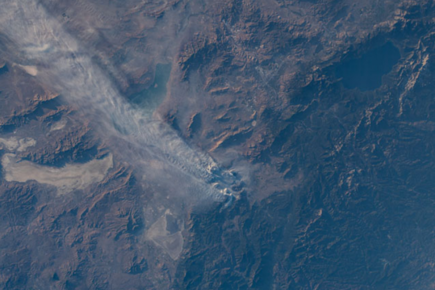 Astronauts onboard the IIS took this photograph of smoke spreading from the Beckwourth Complex / Dotta fire in California on July 9, 2021. Credits: NASA