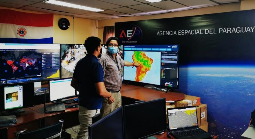 Director of the Paraguayan Space Agency, Dr. Alejandro Roman views NASA data that can be used to inform and support decision-making before, during and after fire events. Credit: Paraguayan Space Agency
